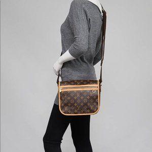 Authentic Louis Vuitton Shoulder Bag Messenger
